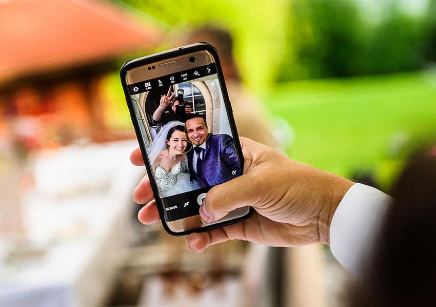selfie-cam-wedding
